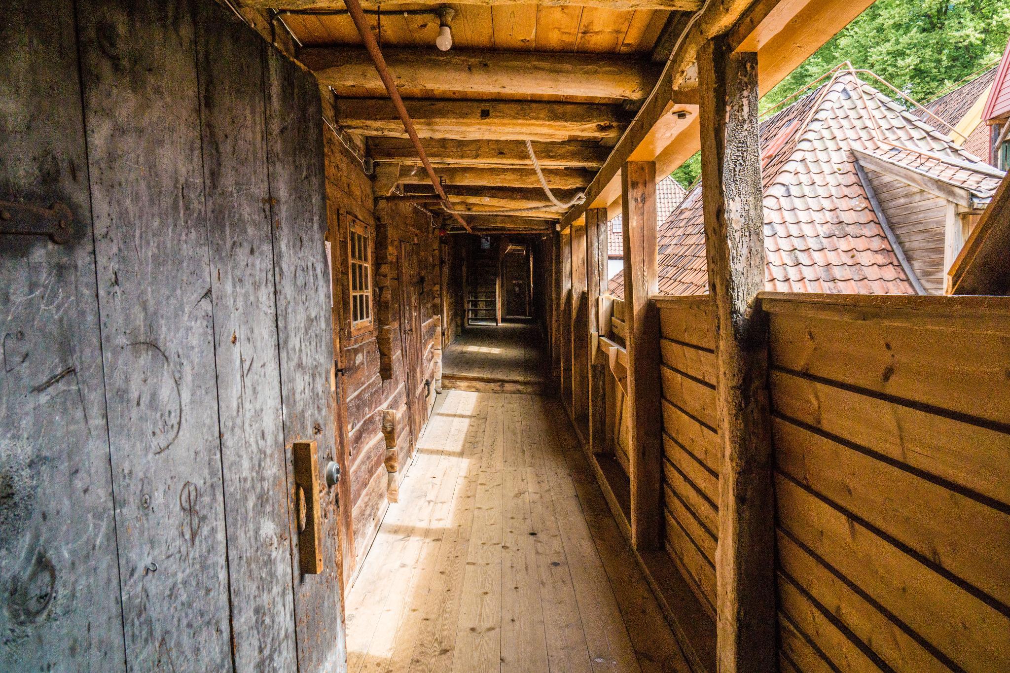 【卑爾根】Bryggen 世界遺產布呂根 — 迷失在百年歷史的挪威彩色木屋 23