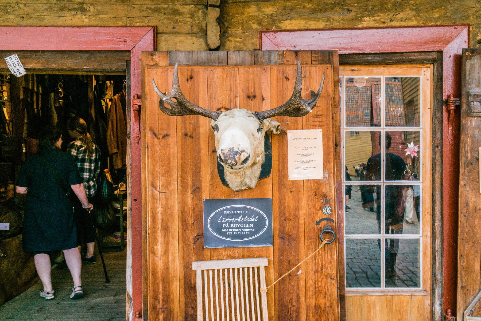 【卑爾根】Bryggen 世界遺產布呂根 — 迷失在百年歷史的挪威彩色木屋 27