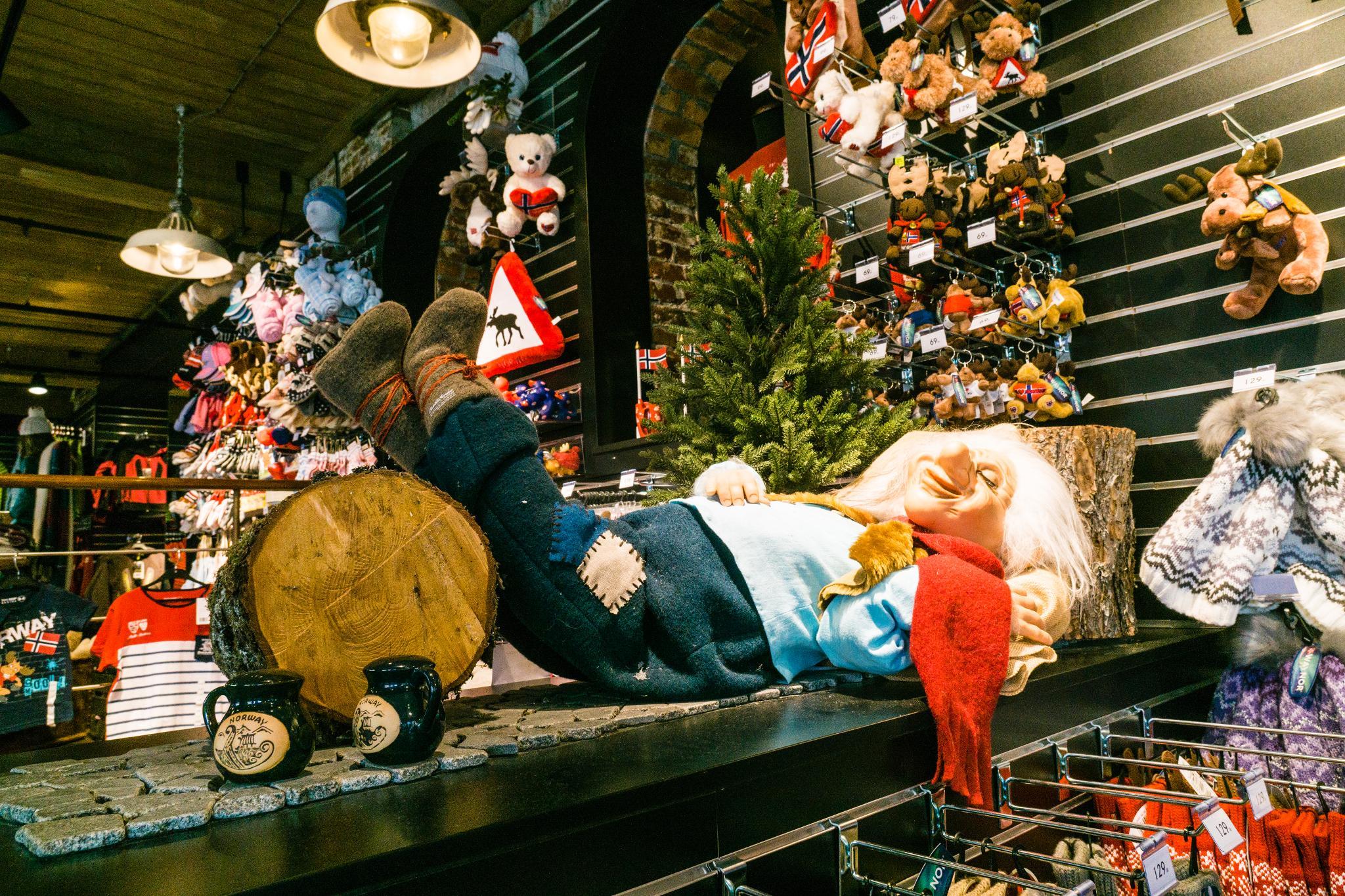 【卑爾根】Bryggen 世界遺產布呂根 — 迷失在百年歷史的挪威彩色木屋 31