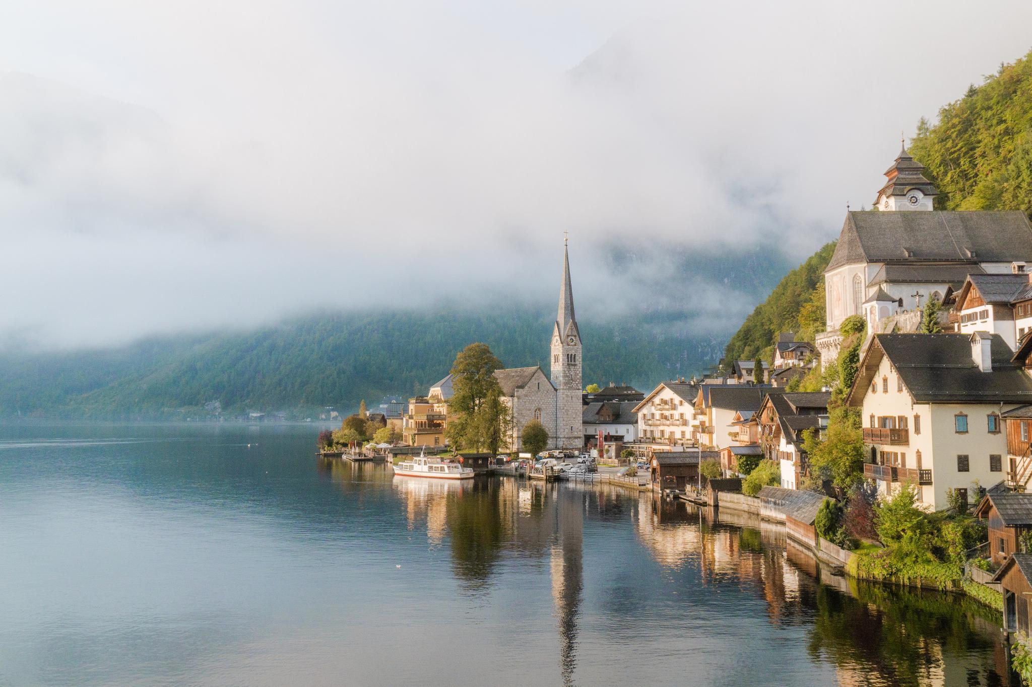 【奧地利】童話仙境 Hallstatt 哈修塔特 — 追逐世界遺產小鎮的夢幻黃金日出
