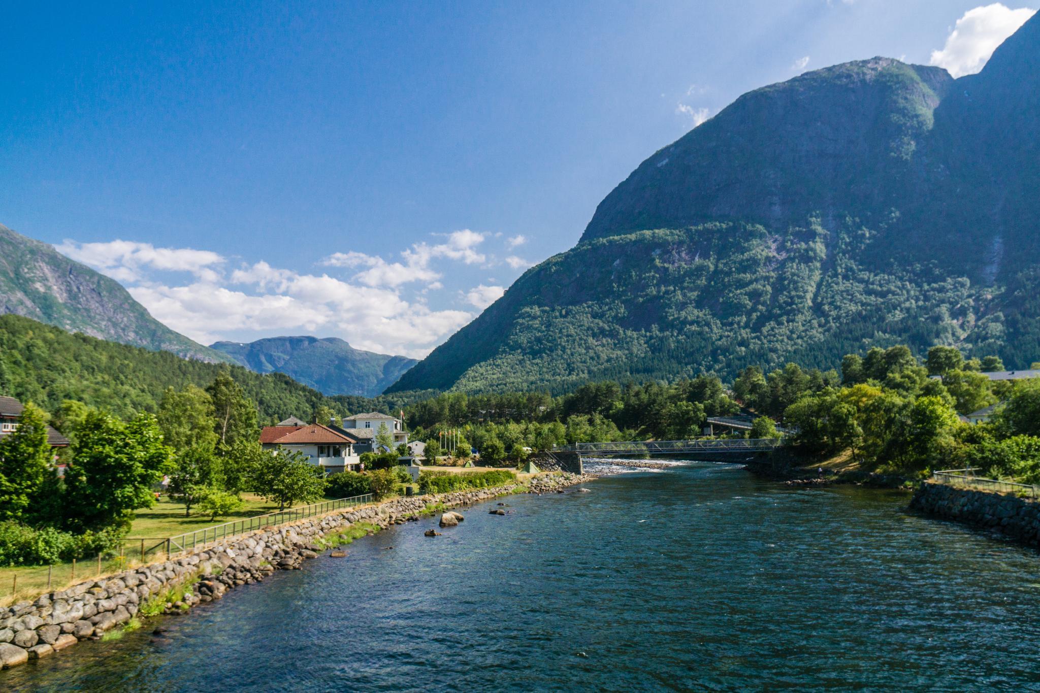 【北歐景點】哈丹格峽灣探秘:Eidfjord小鎮的無限風光 4