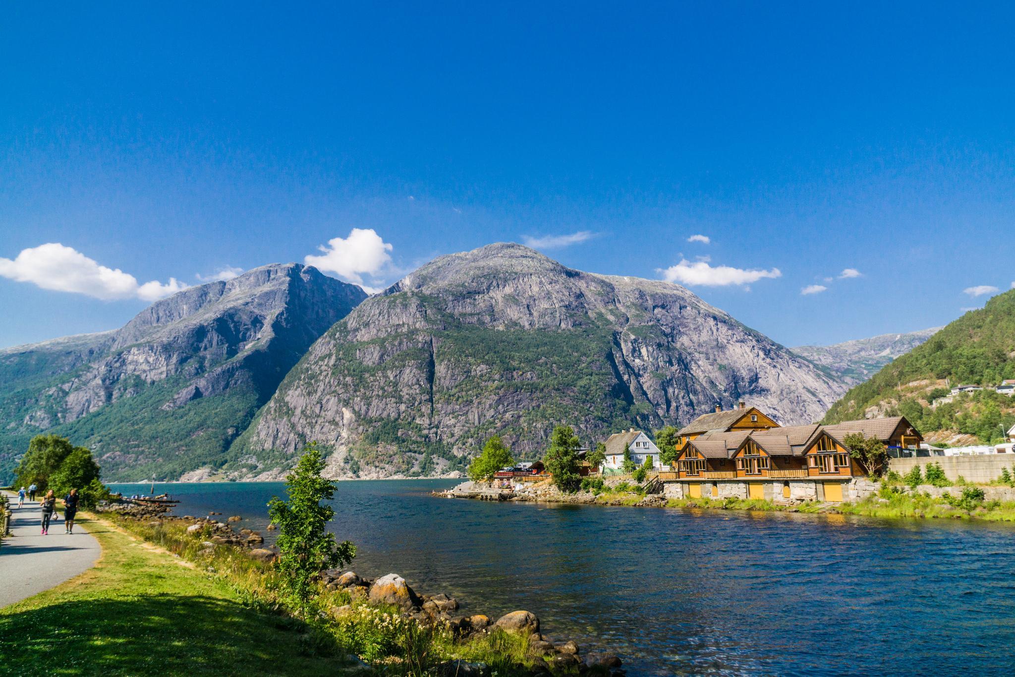 【北歐景點】哈丹格峽灣探秘:Eidfjord小鎮的無限風光 5