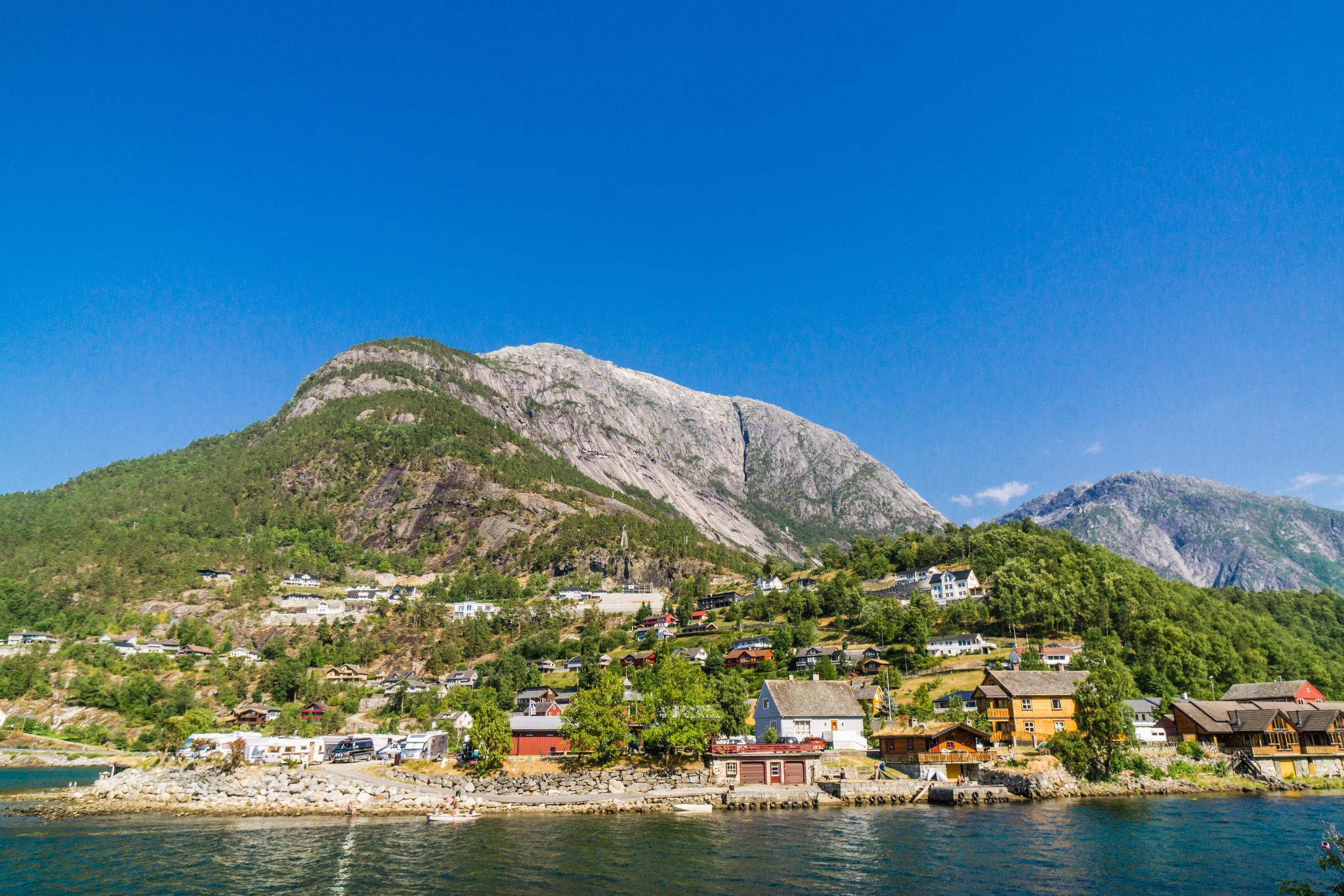 【北歐景點】哈丹格峽灣探秘:Eidfjord小鎮的無限風光 7