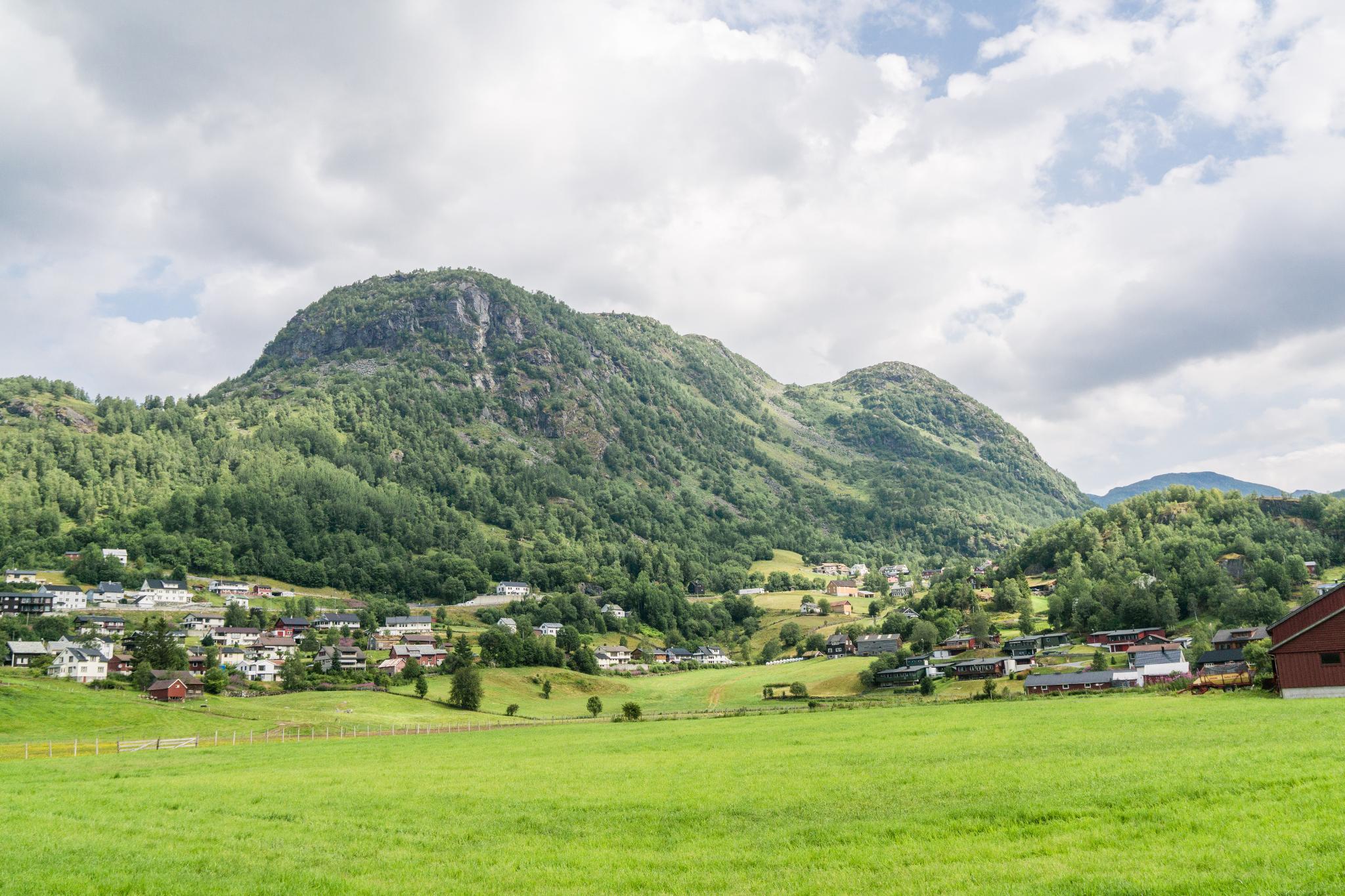 【北歐景點】中世紀的朝聖者之路:百年歷史的Røldal小鎮 9