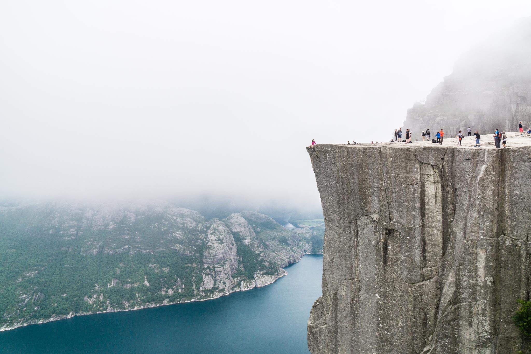 【北歐景點】朝聖挪威三大奇岩:聖壇岩Preikestolen健行紀錄 1